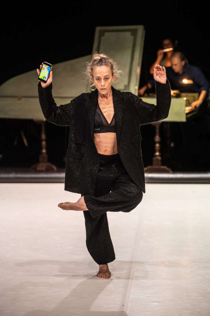 TOCCARE the white dance. MITO incontra MILANoLTRE Cristina Kristal Rizzo